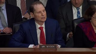 FBI Director Wray talks Porter security clearance at Senate Intel hearing | Kholo.pk