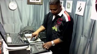 DJ Thump mixing on The Weekend Blast w/ Mach' Boogie