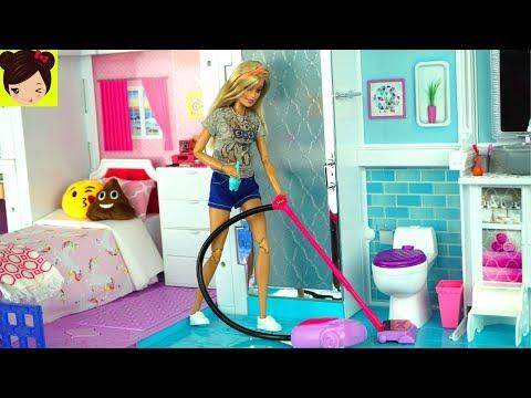 Barbie Rutina de la Mañana Limpiando su Casa y Comprando en El Supermercado - Juguetes de Titi