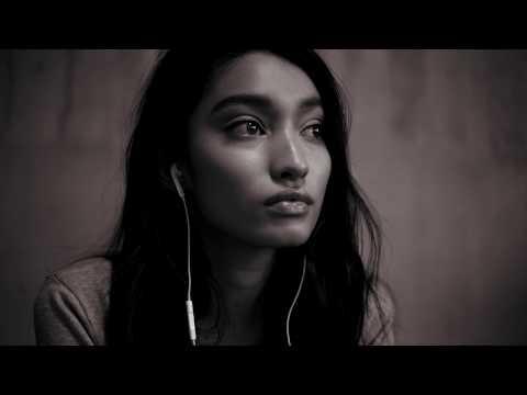 SILENT POETS / Asylums For The Feeling feat. Leila Adu