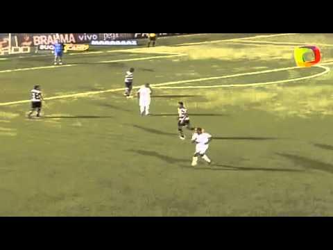 Footage of Rivaldo (41) coming on for Mogi Mirim to play alongside his son Rivaldinho (18)