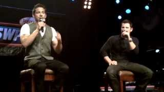 98 Degrees - Concert au Hard Rock Cafe - Microphone