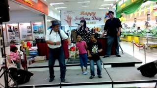 preview picture of video '16/6/13 Giant Hypermarket Prima Perai @ Fathers Day (stage performence 2)'