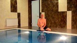 Смотреть онлайн Урок плавания для начинающих: полезные упражнения