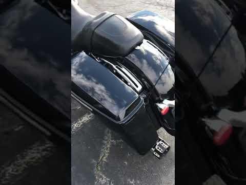 2017 Harley-Davidson FLHXS STREET GLIDE SPECIAL in Greenbrier, Arkansas - Video 1