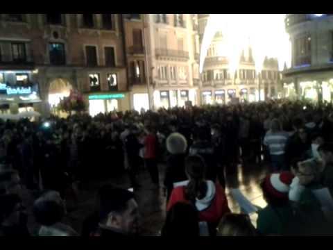 La PAH Málaga protesta contra la Ley Mordaza con 'villancicos indignados'