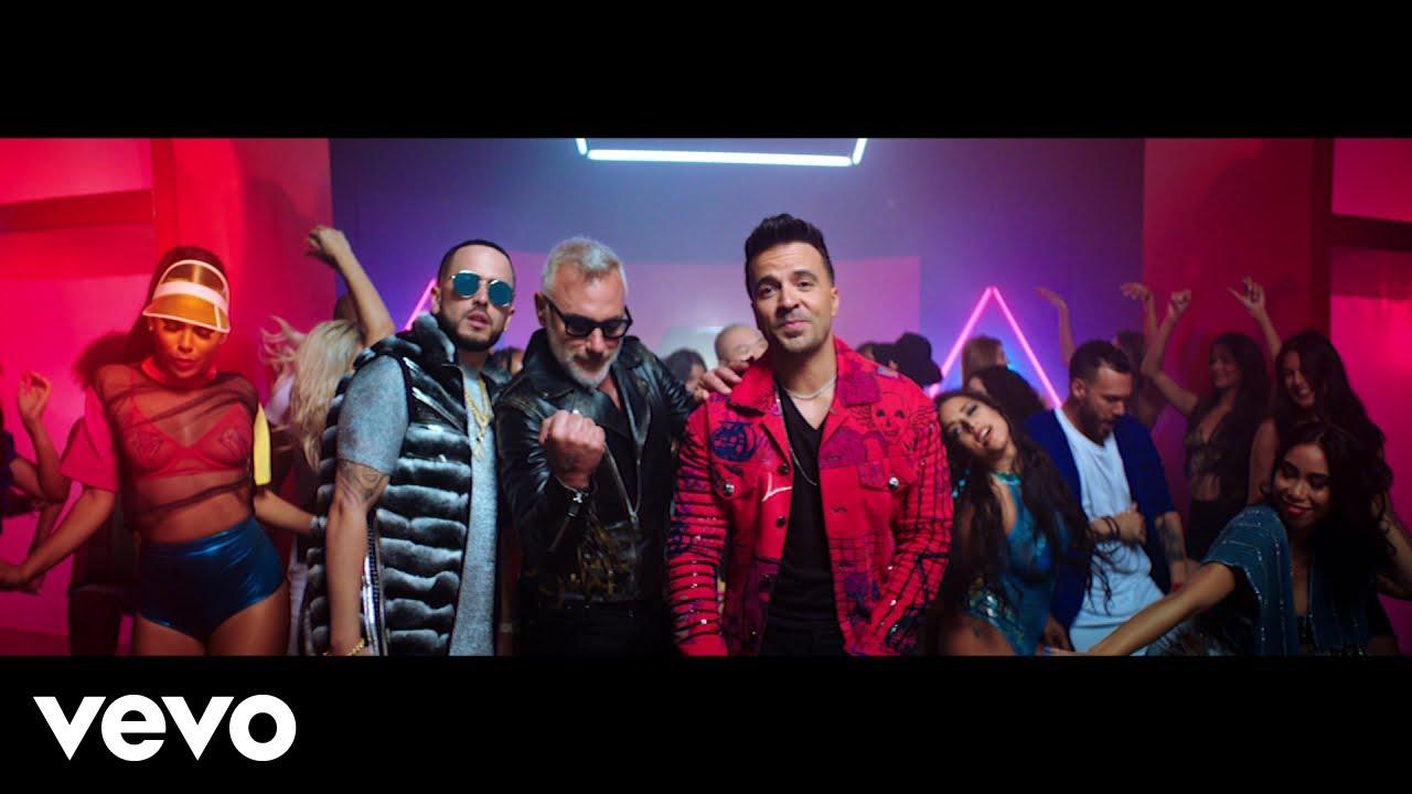 Gianluca Vacchi, Luis Fonsi ft. Yandel — Sigamos Bailando