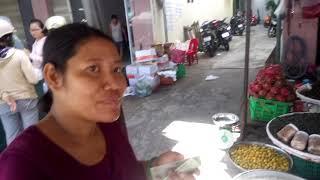 24 минуты по рынку Сом Мой в воскресенье.