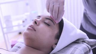 Skin HQ Mesopeel with Afshan Azad: Step by Step procedure