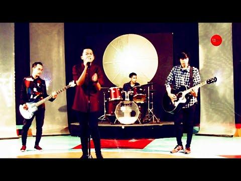 Laoneis band   ayah    live at matrix tv