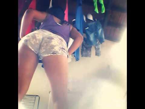 Menina Dançando 😍- Mc Perinho