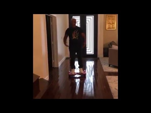 Image video Mike Tyson chute avec son hoverboard