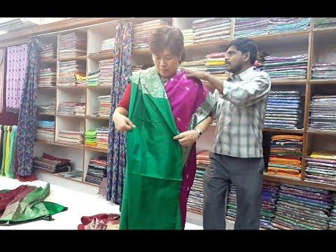 Video Tutorial! How To Wear Saree / Cara Memakai Kain Sari India