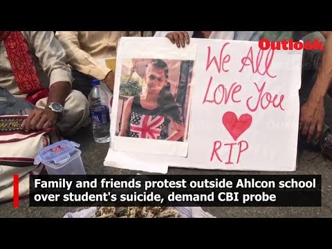 Family and friends protest outside Ahlcon school over student\s suicide, demand CBI probe