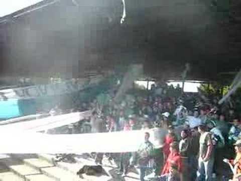 """""""los devotos vs curico"""" Barra: Los Devotos • Club: Deportes Temuco • País: Chile"""