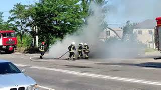 В Николаеве на ходу загорелся автомобиль. ВИДЕО