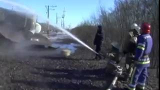 В Донецкой области горят и взрываются цистерны с пропан бутаномм 2014 ШОК