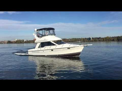 Bayliner 3388 Command Bridge Motoryachtvideo