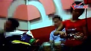 Video Clip Hot - Cận cảnh karaoke ôm là thế này đây