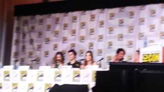 L'arrivée des acteurs au panel