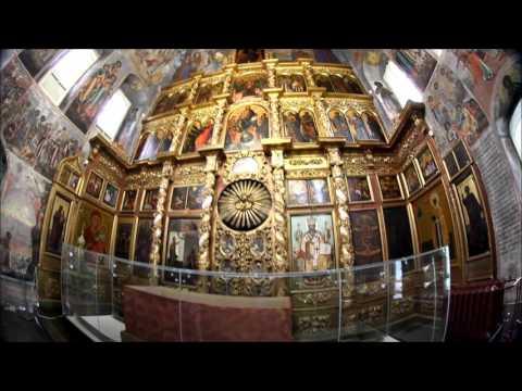Иконы в церкви в коньково