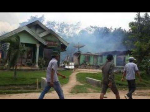 LAMPUNG MEMBARA : Warga Asli vs Warga Pendatang, 26 Rumah Dibakar - VIDEO BERITA TERKINI