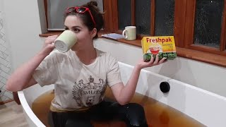 20 Tips for University || Spilling the TEA on UniversiTEA in a Tea bath PART 1