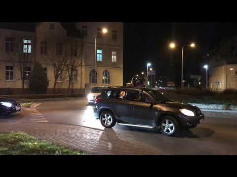 Wideo1: Protest samochodowy w Lesznie