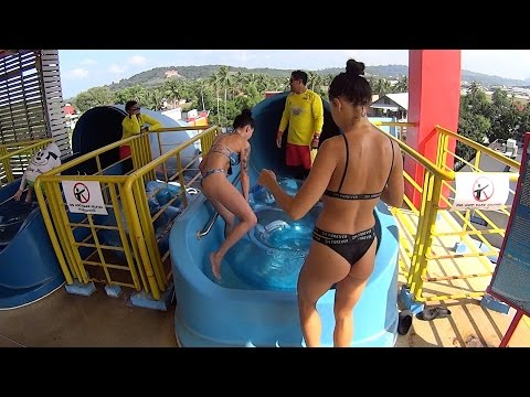 Dangerous Boomerango Water Slide at Splash Jungle Water Park