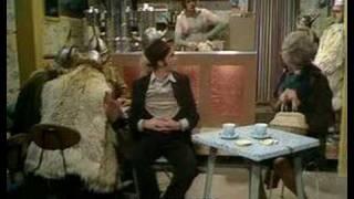 Το κλασικό βίντεο των Monty Python. (από Cunning Linguist, 20/04/09)