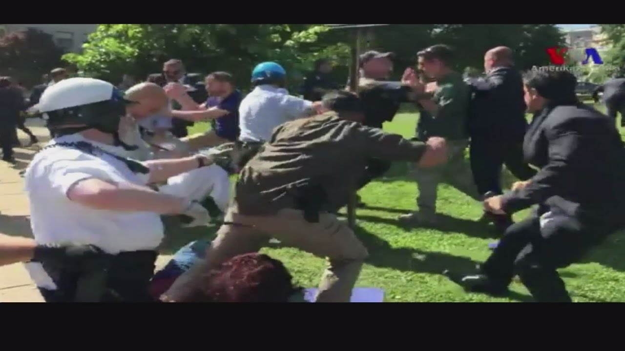Βίαιη επίθεση εναντίον Κούρδων, έξω από την τουρκική πρεσβεία στην Ουάσιγκτον
