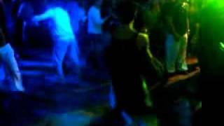 Andrea al Florida balla con cantante.mp4