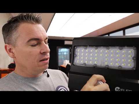 FLOODLIGHT LED 30W 5700K BLACK NOX V3