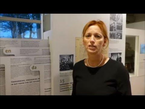 Kulturministerin Karin Prien besucht Gedenkstätte Ladelund
