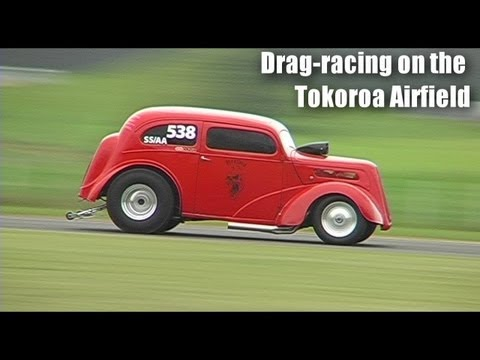 drag-racing-on-the-tokoroa-airfield