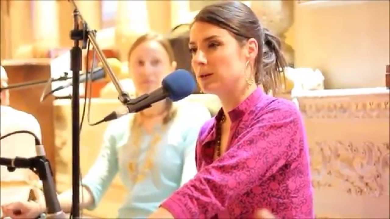 Hare Krishna Maha Mantra - Chanting by HG Chakrini Mataji | ISKCON