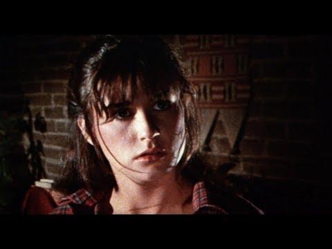 Video trailer för Parasite (1982) – Official Trailer