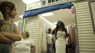 Beccas Closet Gives Thousands Of Dresses To Homecoming, Prom, And Military Ball Goers