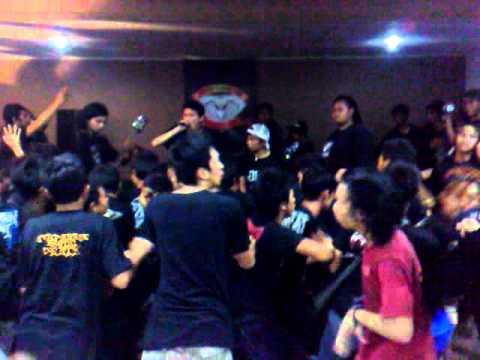 Apocalypse Grind Live @ Gedung Sasakadana, Garut