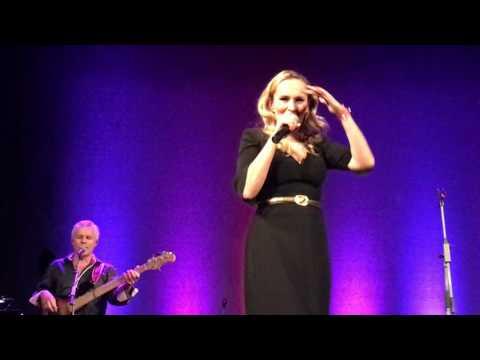 Monika Absolonova - live - narozeninovy koncert (40): Asi, asi
