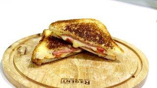 Смотреть онлайн Горячий сэндвич с плавленным сыром