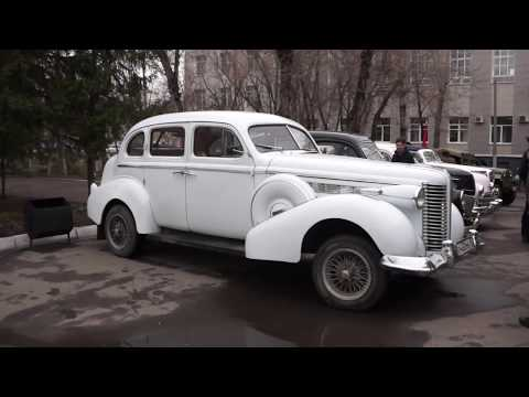 Ретро автомобили на празднике 9 мая у СИБАДИ