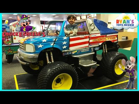 Chuck E Cheese Family Fun Indoor Games and Activities for Kids Children Play Area Kids Video