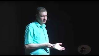 Навыки для глобального мира будущего, которым неучат вшколах | Сергей Зуев на TEDx