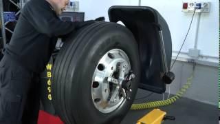 Станок для балансировки грузовых колес M&B WB 690 от компании Karcher и Nilfisk Alto - видео