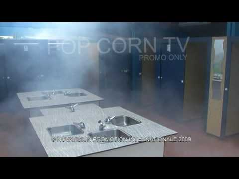 Hidden Camera : Foggy Shower (Mad Boys)
