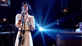 [HD] Bat For Lashes - Laura (Jools Holland Live 2012)
