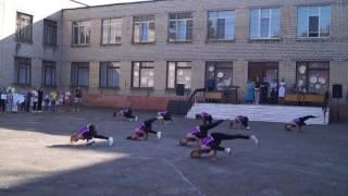 Танец девочек 22 школа  2 часть