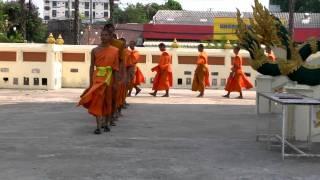 preview picture of video 'buriram wat klang- พระที่วัดกลาง บุรีรัมย์'