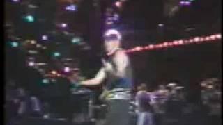 Titãs, eu não sei fazer música, ao vivo no Hollywood Rock de 92